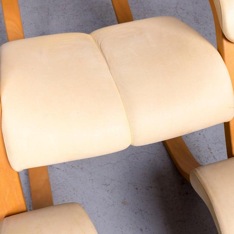 Stokke Gravity Balans Designer Leather Chair Rocking Chair Crème 2
