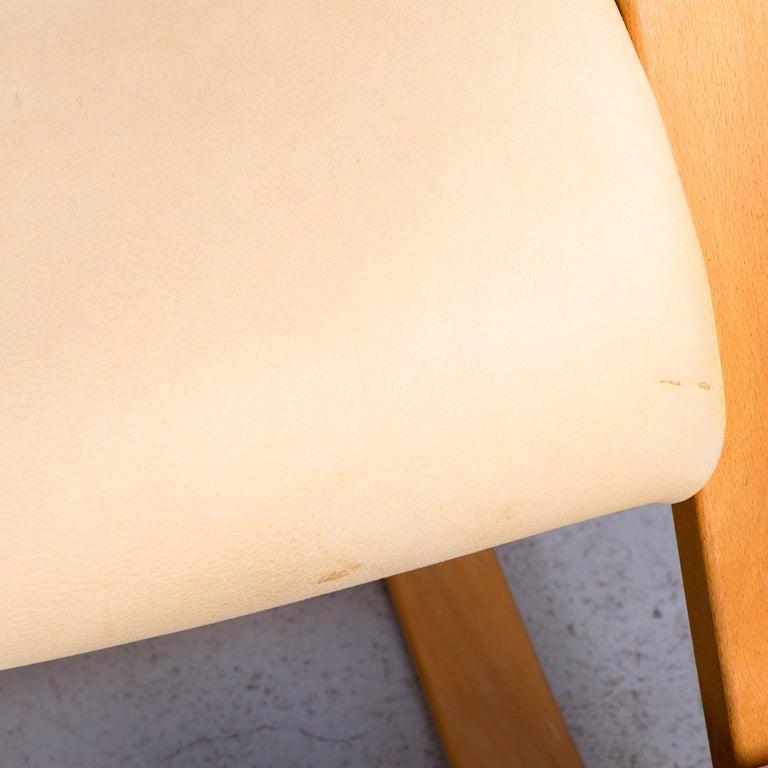 Stokke Gravity Balans Designer Leather Chair Rocking Chair Crème 3