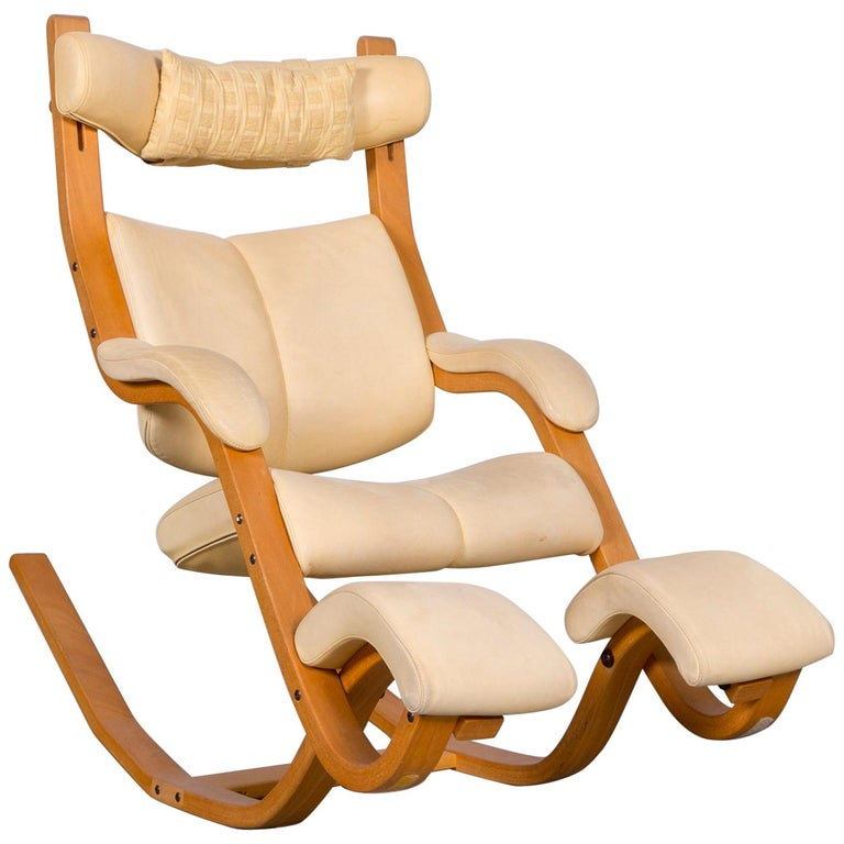 Stokke Gravity Balans Designer Leather Chair Rocking Chair Crème