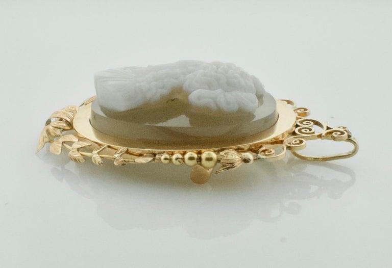 Stone Cameo Brooch Pendant, circa 1900 For Sale 2