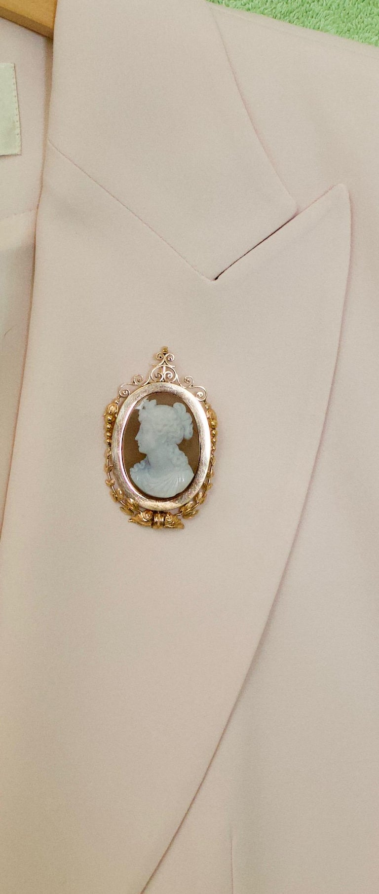 Stone Cameo Brooch Pendant, circa 1900 For Sale 5