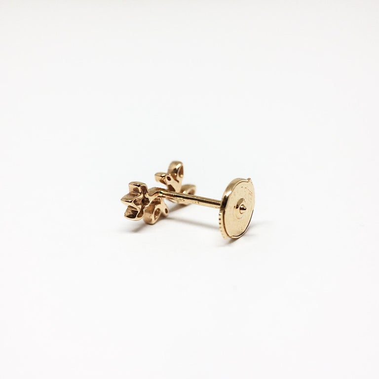 Contemporary Stone Paris 18 Karat Gold and Diamonds Cherry Blossom Stud Earring For Sale