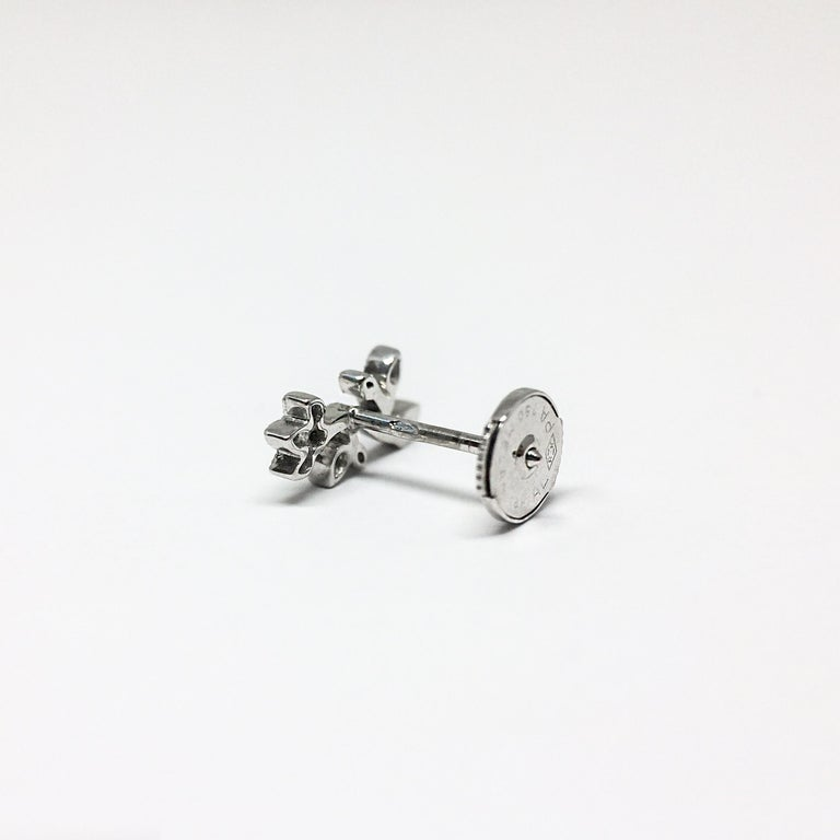 Contemporary Stone Paris 18 Karat Gold White Diamonds Cherry Blossom Stud Earring For Sale