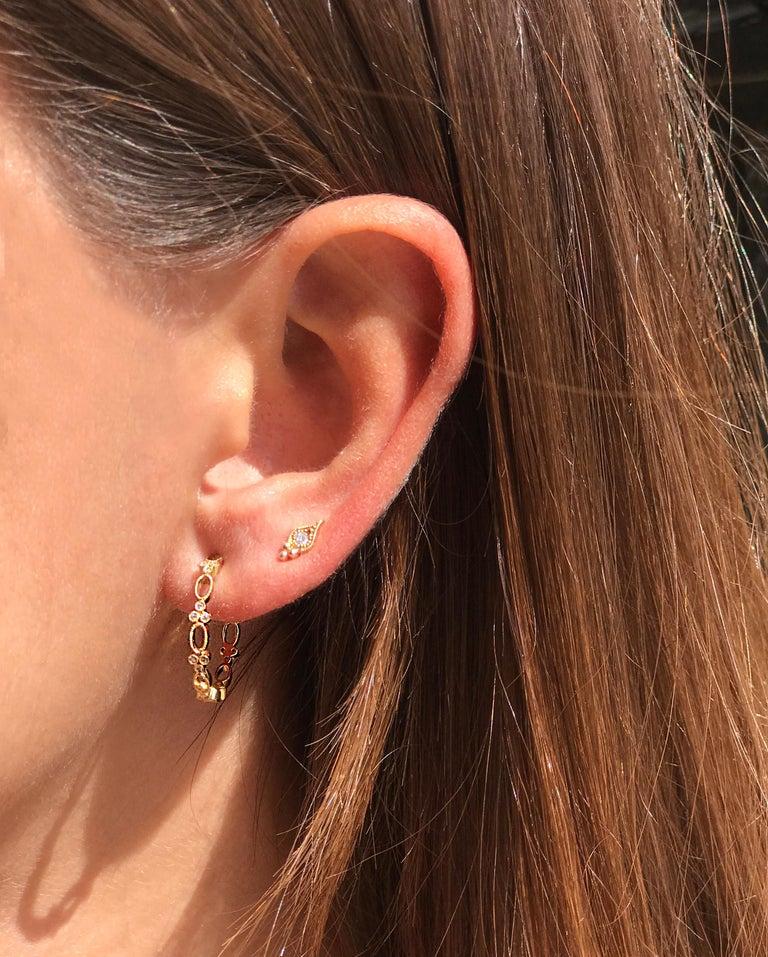 Women's Stone Paris 18 Karat Gold White Diamonds Cry Me A River Button Earring For Sale