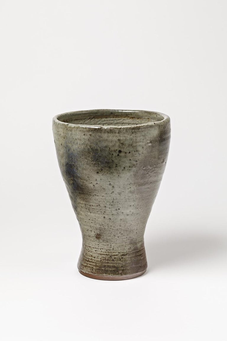 A stoneware vase by Jeanne & Norbert Pierlot to Ratilly. Perfect original conditions. Handwritten signature under the base