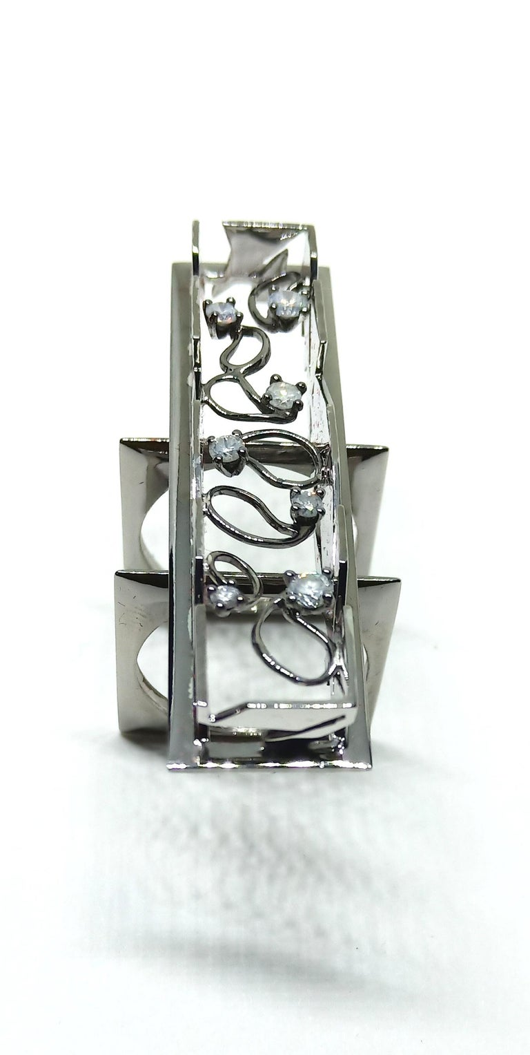 Exceptions Exult with Contemporary Colored Diamond White Gold Cocktail Ring In New Condition For Sale In NEW DELHI, IN