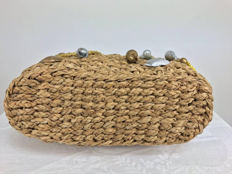 Brown Straw tote bag with real sea shells and tassels large size 1980s For Sale