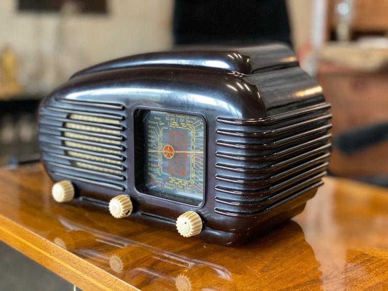 Streamlined Bakelite Tesla Talisman Radio, 1950s  For Sale 3