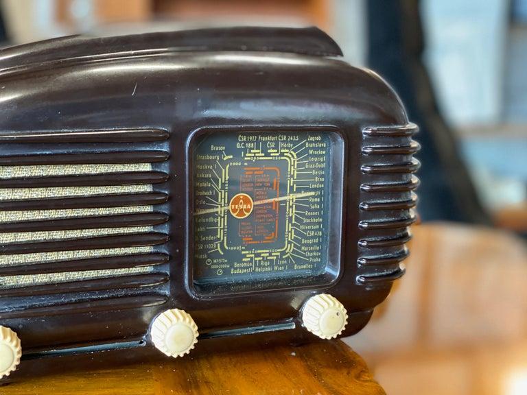 Mid-20th Century Streamlined Bakelite Tesla Talisman Radio, 1950s  For Sale