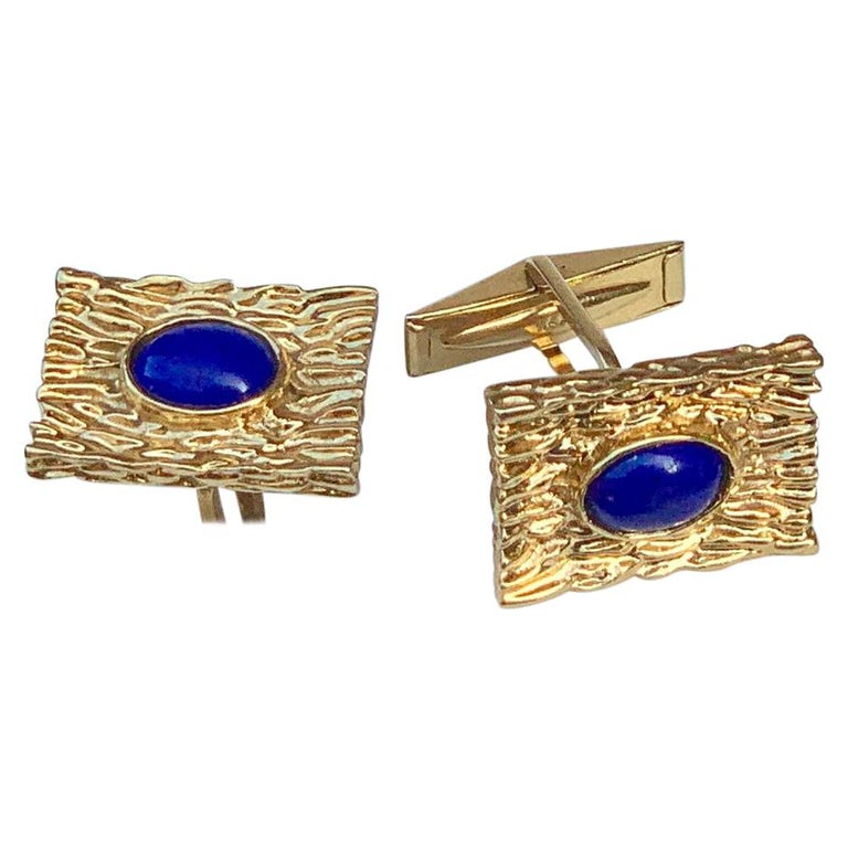 Striking Vivid Blue Lapis Lazuli Mid Century 14 Karat Gold Bark Finish Cufflinks For Sale