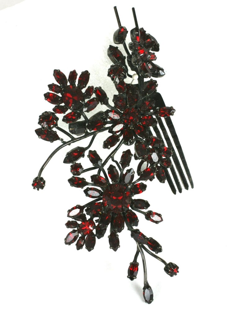 Striking Austrian Ruby Crystal Trembler Flower Hair Comb In Good Condition For Sale In Riverdale, NY