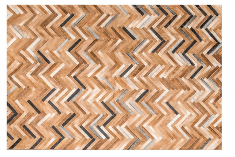 Herringbone pattern brown, white and black De Los Bosques Cowhide Area Floor Rug For Sale 2