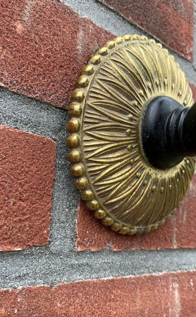 Striking Maison Baguès Style Solid Bronze Hand w. Brass Torch Wall Sconce / Lamp In Good Condition For Sale In Lisse, NL