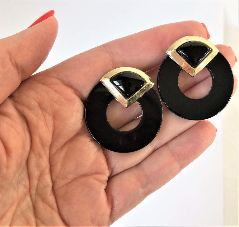 Striking Onyx Disc and Gold Earrings Measuring Just Over In Good Condition In Blue Ridge, GA