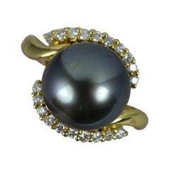Striking Tahitian Pearl and Vs Diamond 18 Carat Gold Cluster Ring