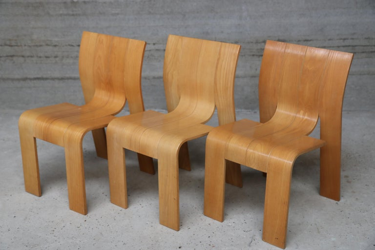 Strip chair design Gijs Bakker for Castellijn, 1974 Dutch Laminated beech wood stackable chair. A chair without armrests. The chair is in an excellent vintage condition. Each chair is made of four strips of 11cm wide beechwood and. These strips are