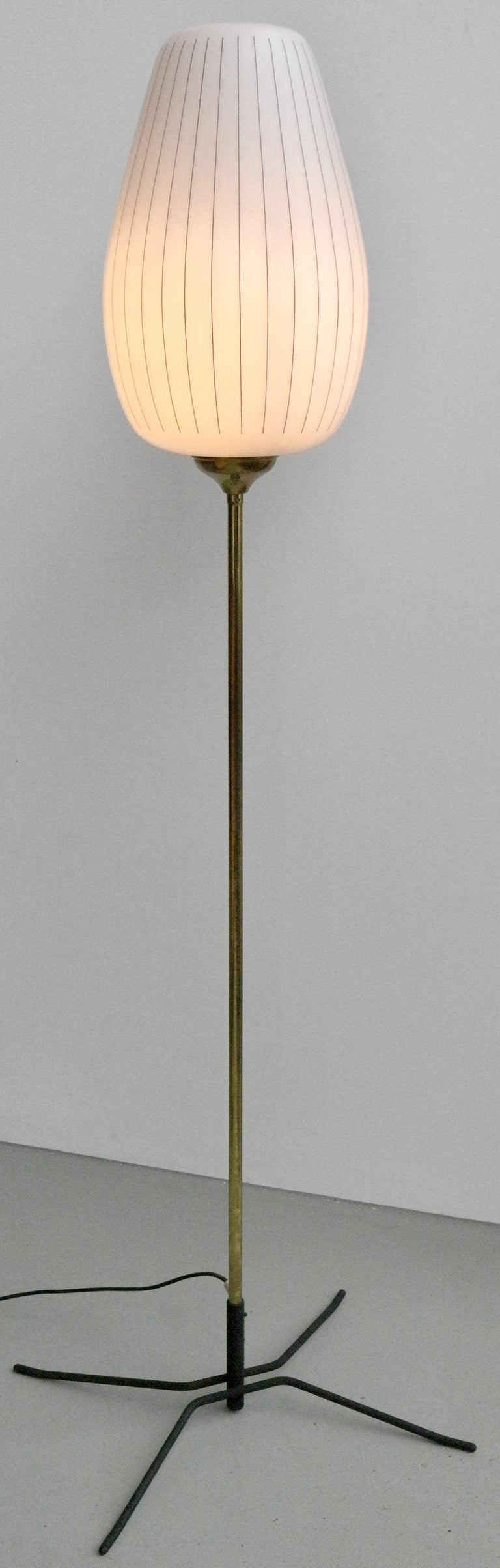 Striped Opaline Glass and Brass Floorlamp, Italy, 1950s For Sale 5