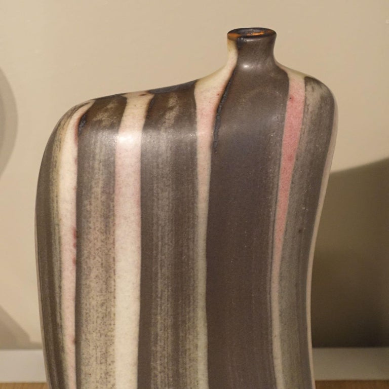 Contemporary vertical brown and cream stripe vase Matte finish glaze Sits nicely with S5139.