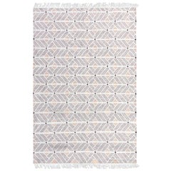 Strong But Soft Customizable Helden Weave Rug in Grey Small
