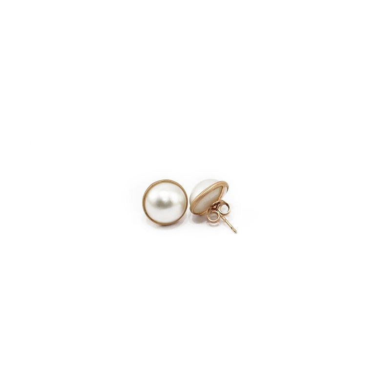 Nice earrings in 18kt pink gold and Mabe pearls.  Gold g. 2,8 Mabe pearls ct. 8