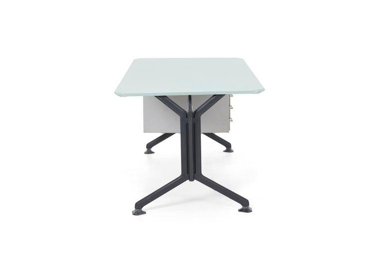 Studio BBPR Desk In Good Condition For Sale In Chicago, IL