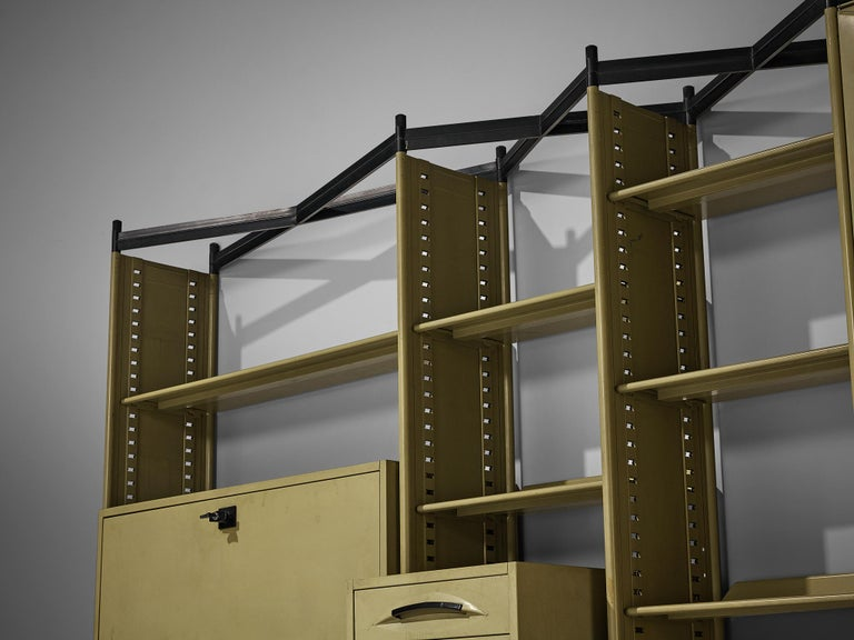 Mid-Century Modern Studio BBPR for Olivetti 'Spazio' Shelving System in Metal For Sale