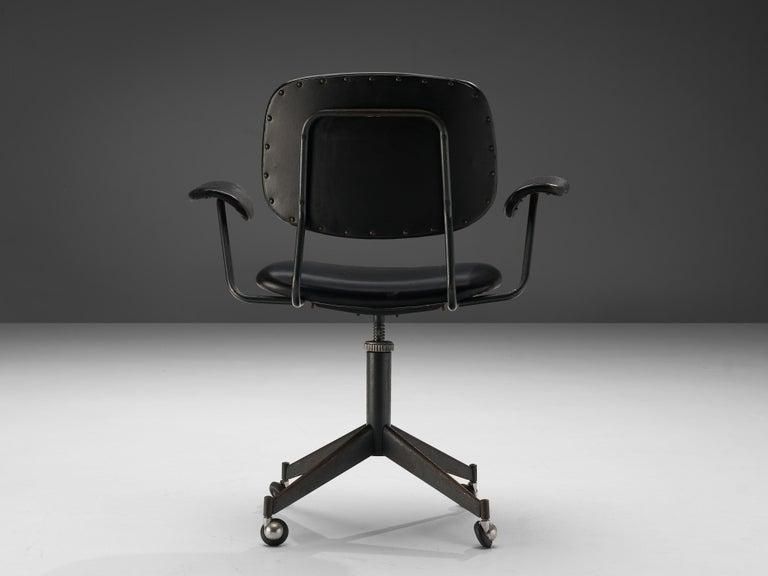 Mid-Century Modern Studio BBPR for Olivetti Swivel Desk Chair in Black Leather For Sale