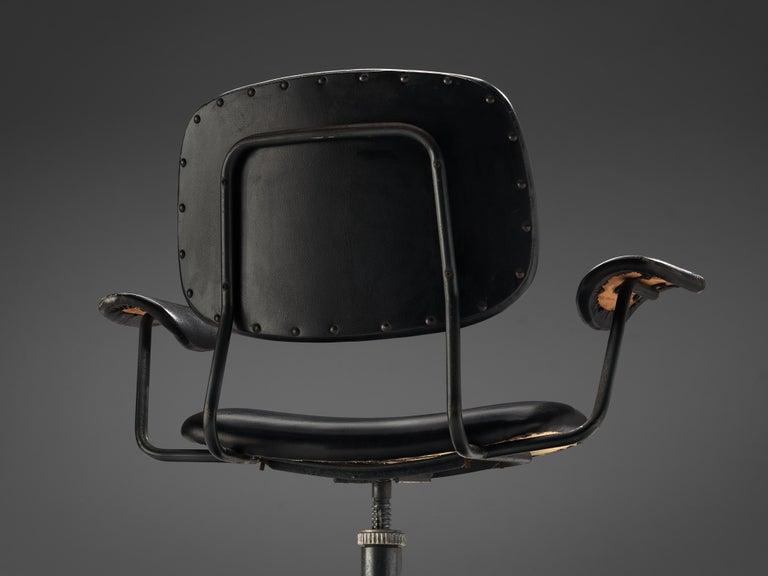 Mid-20th Century Studio BBPR for Olivetti Swivel Desk Chair in Black Leather For Sale