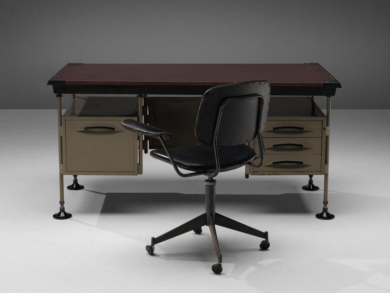 Studio BBPR for Olivetti Swivel Desk Chair in Black Leather For Sale 2