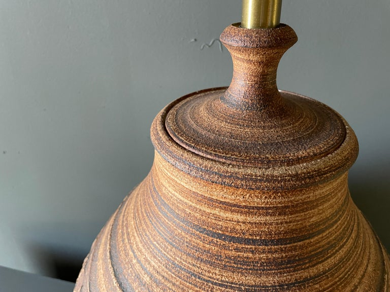 Studio Crafted Ceramic Lamp by Bob Kenzie for Affiliated Craftsmen, circa 1960s For Sale 1