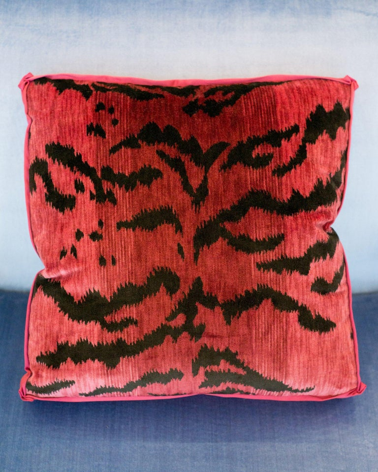 A luxurious Studio Maison Nurita pillow in our signature box design with Bevilacqua pink tiger print velvet with a satin border and pleated corners. Established by Luigi Bevilacqua, and operating out of Venice since 1875, Bevilacqua Tessuti produces