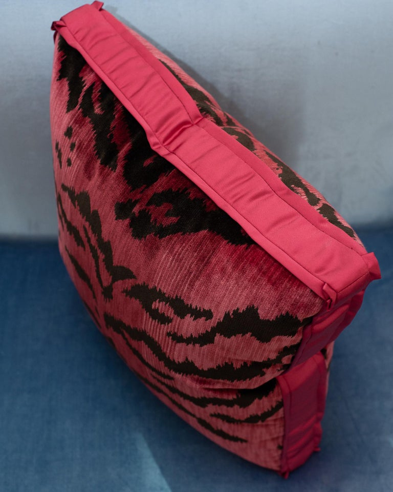 Pink Bevilacqua Tiger Silk Velvet and Satin Pillow by Studio Maison Nurita In Excellent Condition For Sale In Toronto, ON