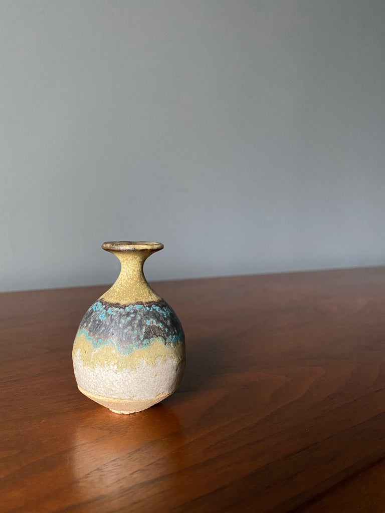 Studio Pottery Signed Ceramic Weed Pot, circa 1970 In Good Condition For Sale In Costa Mesa, CA