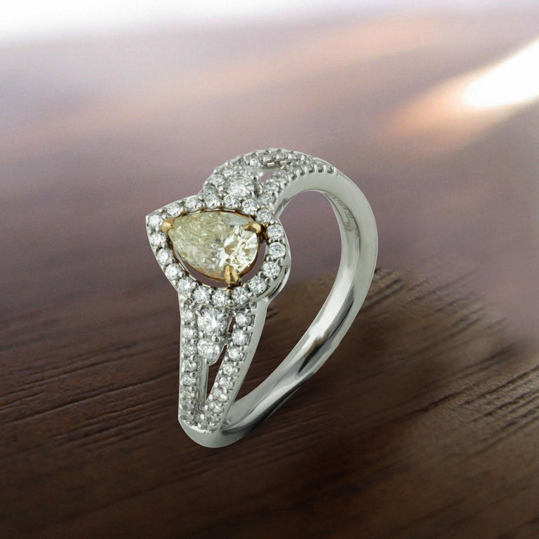 Studio Rêves 0.53 Carat Yellow Pear Engagement Ring in 18 Karat Gold For Sale 2
