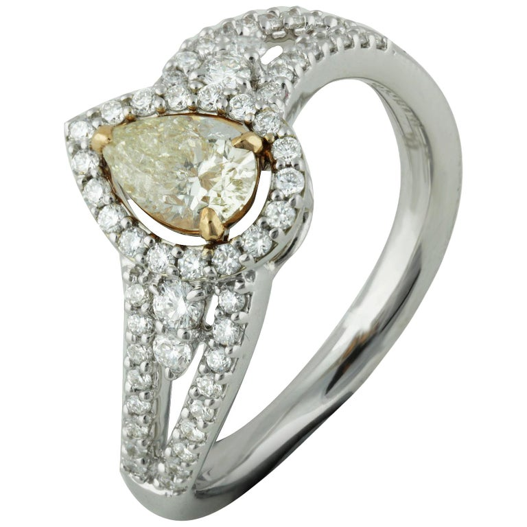 Studio Rêves 0.53 Carat Yellow Pear Engagement Ring in 18 Karat Gold For Sale