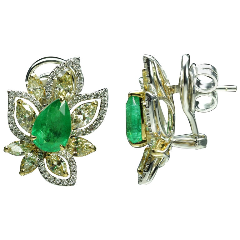 Studio Rêves Diamonds and Emeralds Clip-On Earrings in 18 Karat Gold For Sale
