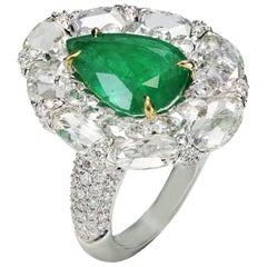 Studio Rêves 3.59 Carat Emerald with Rose cut Diamonds Ring in 18 Karat Gold