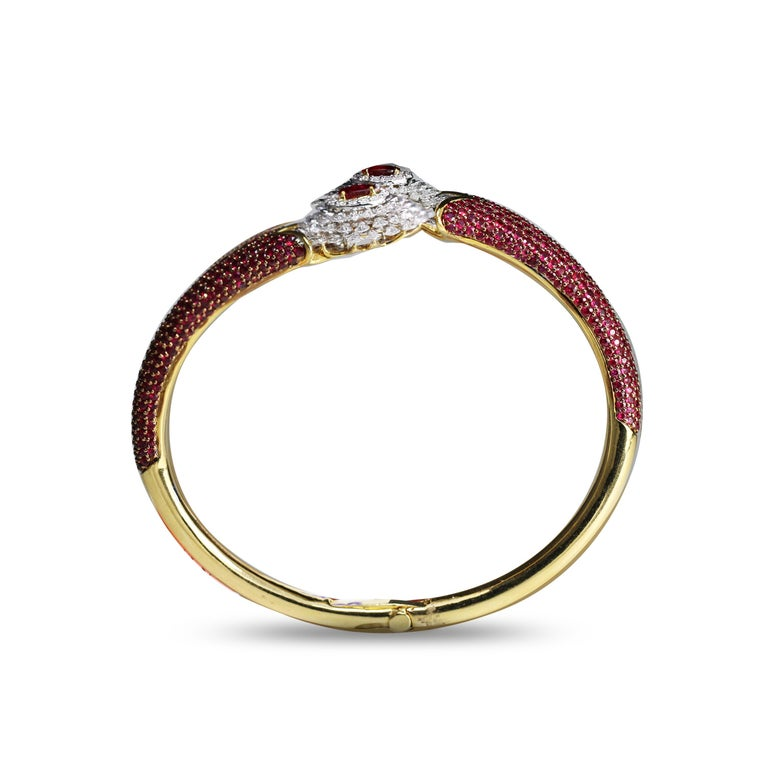 Studio Rêves Ruby and Rose Cut Diamond Modern Bracelet in 18 Karat Gold  In New Condition For Sale In Mumbai, Maharashtra