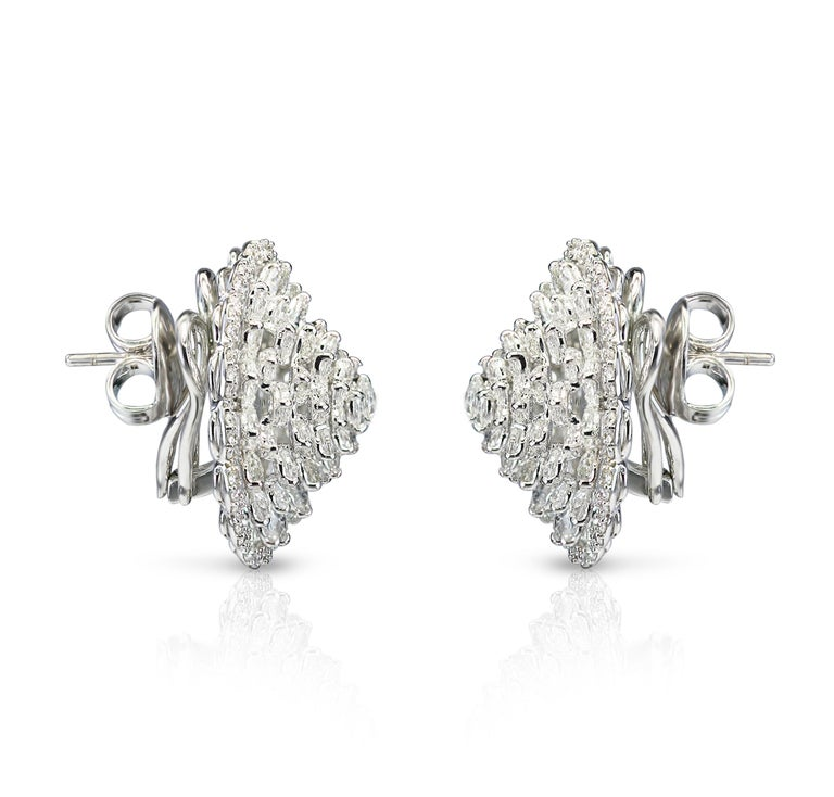 Contemporary Studio Rêves 18 Karat White Gold and Rose Cut Floral Cluster Stud Earrings For Sale