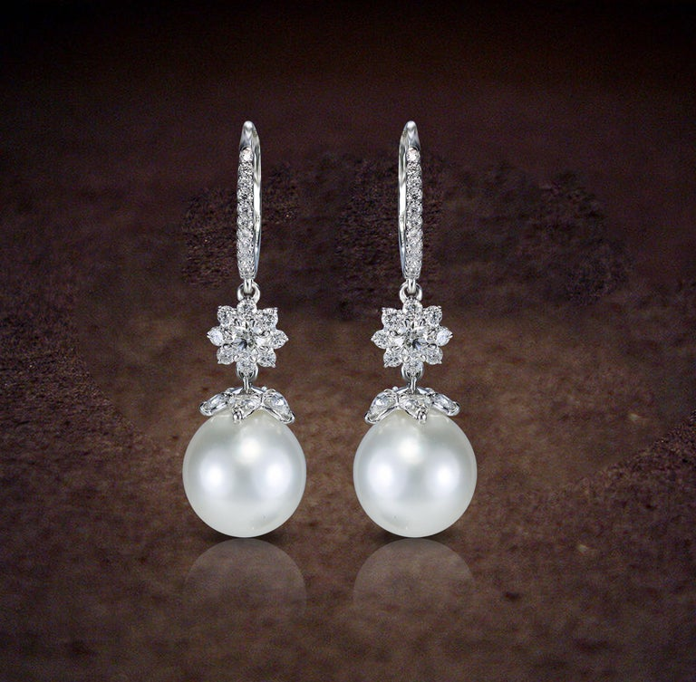 Women's Studio Rêves 18 Karat White Gold, Diamonds and Pearls Cluster Dangling Earrings For Sale