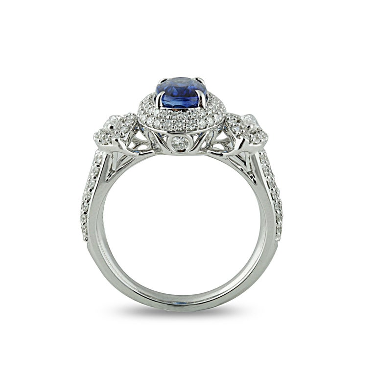 Contemporary Studio Rêves 1.68 Carat Blue Sapphire and Diamond Ring in 18 Karat White Gold