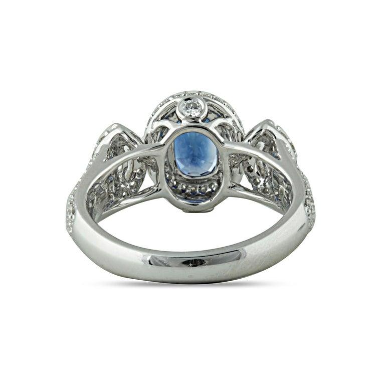 Studio Rêves 1.68 Carat Blue Sapphire and Diamond Ring in 18 Karat White Gold In New Condition In Mumbai, Maharashtra
