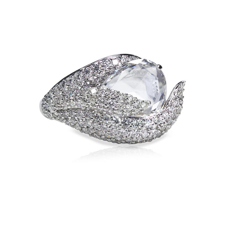 Studio Rêves 18K White Gold and 3.30 Carat Pear Rose cut Cocktail Ring In New Condition In Mumbai, Maharashtra