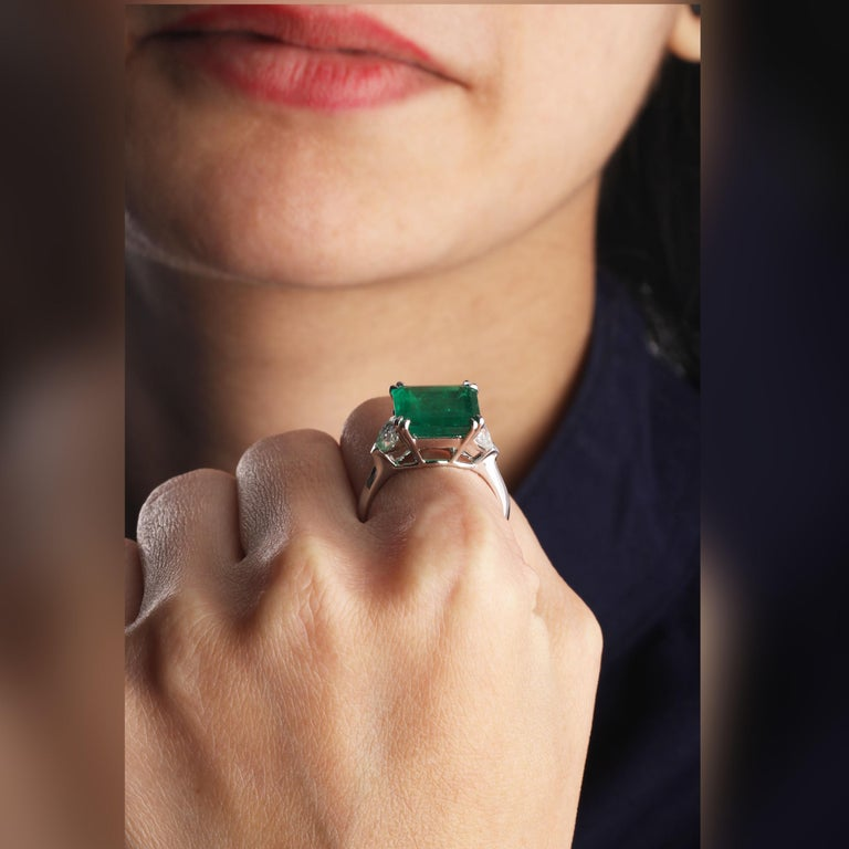 Gross Weight: 8.00 Grams Diamond Weight: 0.96 cts Emerald Weight: 5.51 cts Ring Size: US 6.75  (Resizing can be done) IGI Certification can be done on request.  Video of the product can be shared on request.  Perfectionism is evident in this