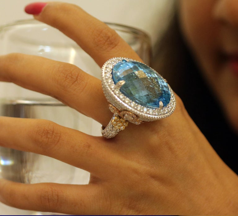 Contemporary Studio Rêves Blue Topaz and Diamond Ring in 18 Karat Gold For Sale