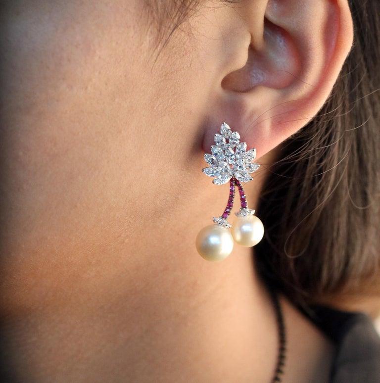 Modern Studio Rêves Cherry Blossom Diamond Stud Earrings in 18 Karat Gold For Sale