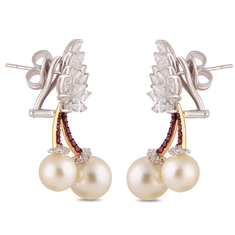 Studio Rêves Cherry Blossom Diamond Stud Earrings in 18 Karat Gold For Sale 1