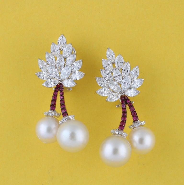 Studio Rêves Cherry Blossom Diamond Stud Earrings in 18 Karat Gold For Sale 3