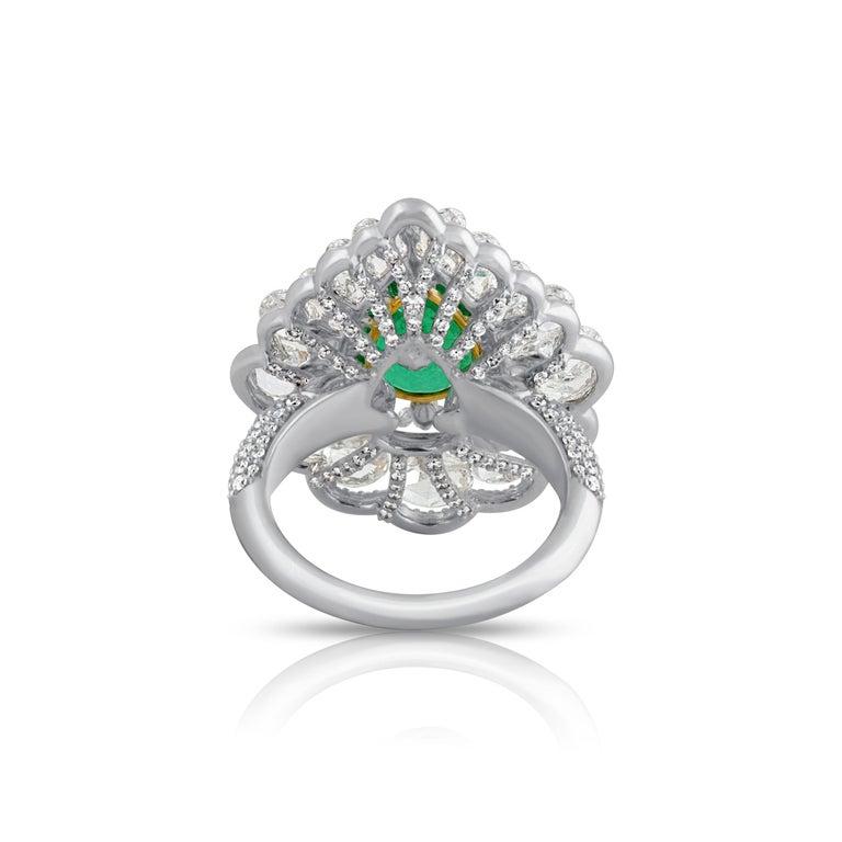 Studio Rêves Diamond and Emerald Cluster Ring in 18 Karat Gold 2