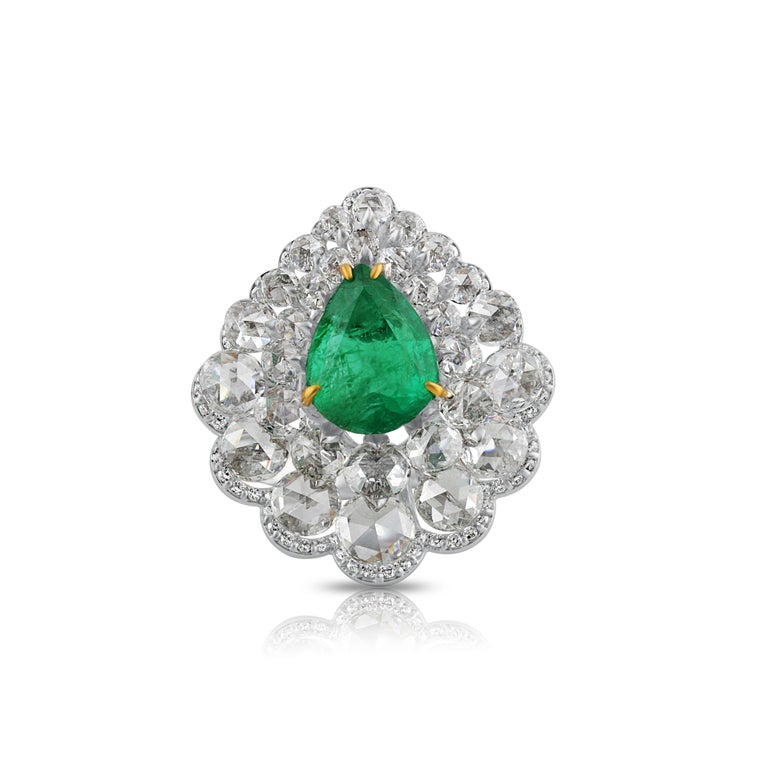 Rose Cut Studio Rêves Diamond and Emerald Cluster Ring in 18 Karat Gold For Sale